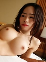 Busty Thai ladyboy hooks up with white tourist